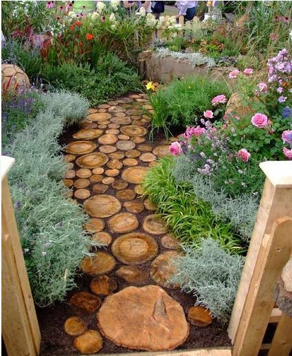 via http://www.hometalk.com/3261147/cute-diy-garden-path-idea