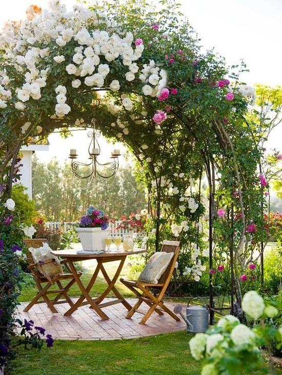 via http://livedan330.com/2014/08/09/diy-garden-sitting-areas/