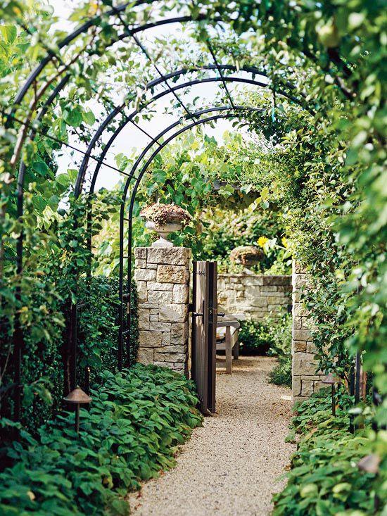 via http://www.bhg.com/home-improvement/outdoor/pergola-arbor-trellis/arbor-ideas/?socsrc=bhgpin081212metalarbors#page=7