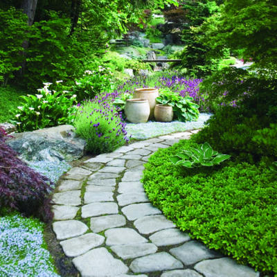 via http://www.sunset.com/garden/backyard-projects/great-garden-paths-photos/garden-path-cobblestones