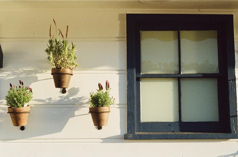 window-405861_960_720